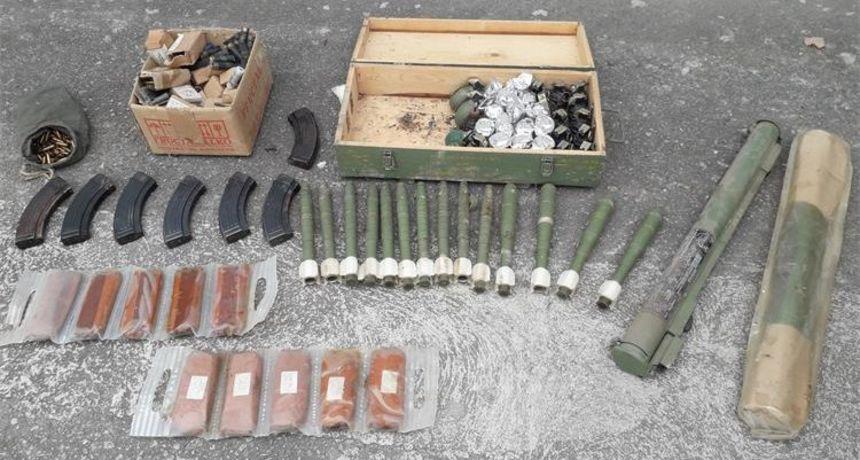 Slavonac policiji predao cijeli arsenal od ručne granate do plastičnog eksploziva
