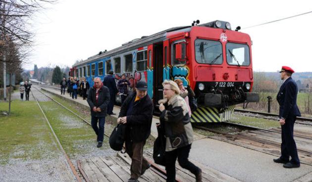 Raste nezadovoljstvo zbog ukidanja linija putničkih vlakova iz smjera Ozlja: Nužno je uspostaviti liniju javnog prijevoza, u pitanju je egzistencija mnogih ljudi!