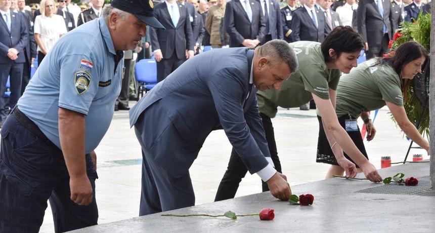 Gotovina komentirao HOS-ovce u Kninu: 'U svemu pa i u slobodi postoji disciplina'