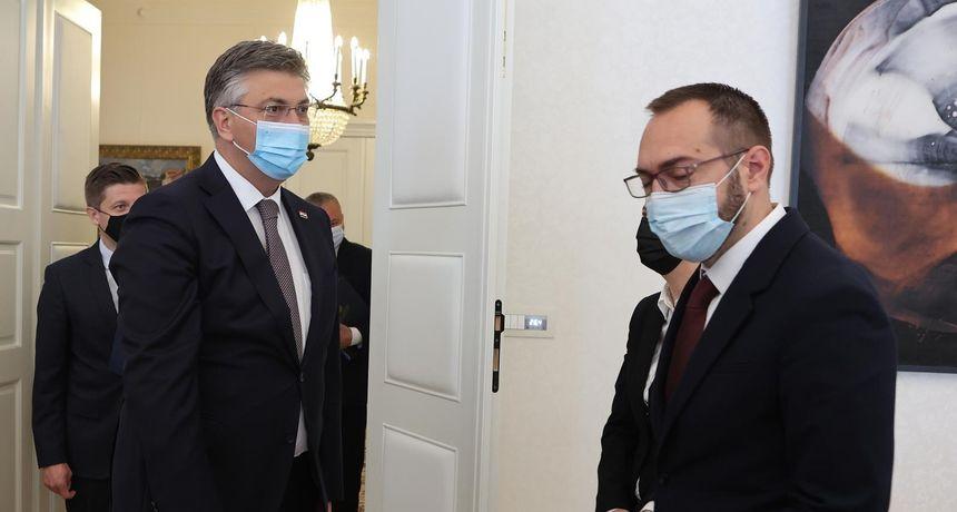 ANKETA Srdačno lupkanje šakama pa hladan tuš: Je li Plenković trebao stati pred novinare s Tomaševićem?